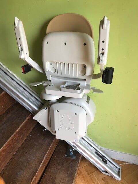 New Acorn 130 Stairlift 1